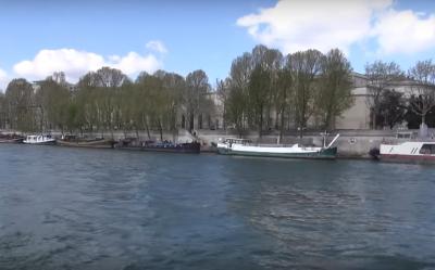נהר הסן הוא אמנם אחד מסמליה המסחריים של עיר הבירה הצרפתית